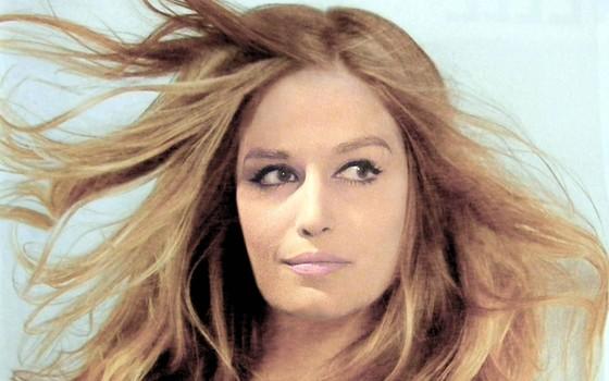 Dalida morreu em 1987, aos 54 anos, depois de vender 170 milhões de discos em todo o mundo  (Foto: Reprodução)