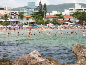 Prefeitura de Bombinhas volta atrás e taxa ambiental é adiada novamente 93c3155c8af85