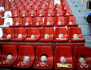 estádio cadeiras jogo Espanha x Finlândia eliminatórias (Foto: Reuters)