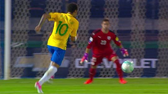 Neymar celeste: atacante ganha e veste camisa 9 do amigo Suárez; veja foto