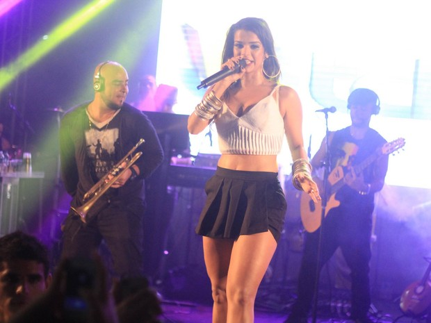 Mari Antunes em show em Salvador, na Bahia (Foto: Sércio Freitas/ Ag. Sércio Freitas/ Divulgação)