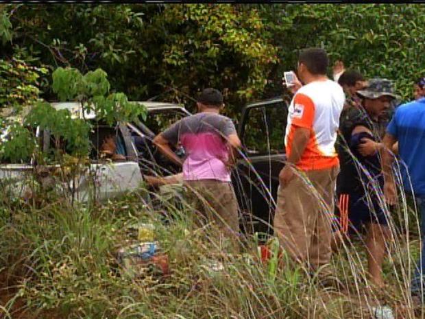 A polícia afirmou que a pista estava molhada no momoento do acidente (Foto: Reprodução/TV Verdes Mares)