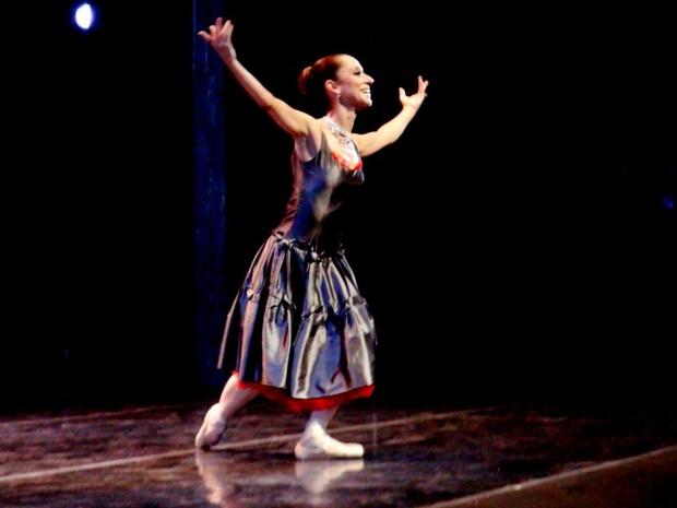 Ana Botafogo se apresenta no Teatro Municipal de Piracicaba (Foto: Nikolas Capp/ G1)