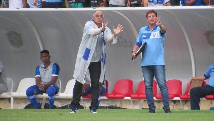 Oliveira Canindé, técnico do CSA (Foto: Denison Roma / GloboEsporte.com)