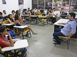 Apresentador falou sobre a sua história no jornalismo. (Foto: Gabriel Paulino/Divulgação)