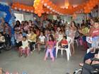 Crianças de hospital de Porto Velho recebem presentes e peça teatral