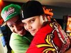 Naldo publica foto abraçado ao filho: 'Saudades'