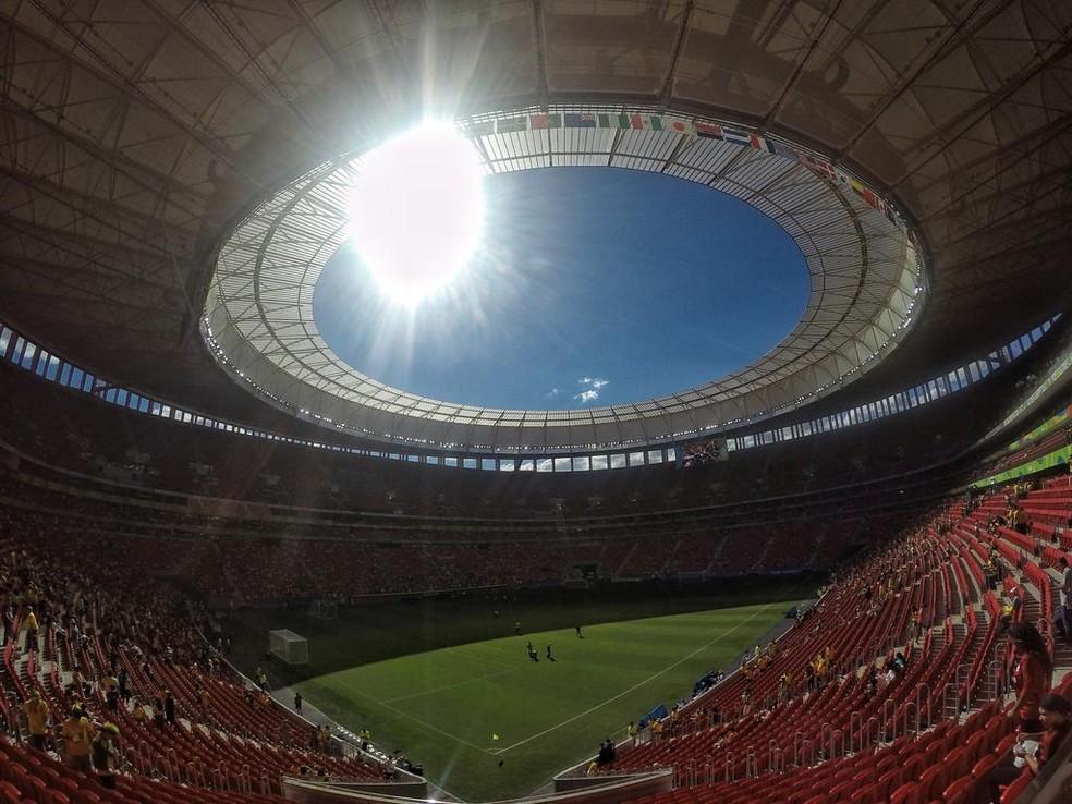 Foto do estádio Mane Garrincha em Brasilia antes do jogo Brasil x África do Sul (Foto: Felipe Schmidt/GloboEsporte.com)