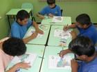 Apaes de 15 municípios dos Campos Gerais ganham ônibus escolar novo
