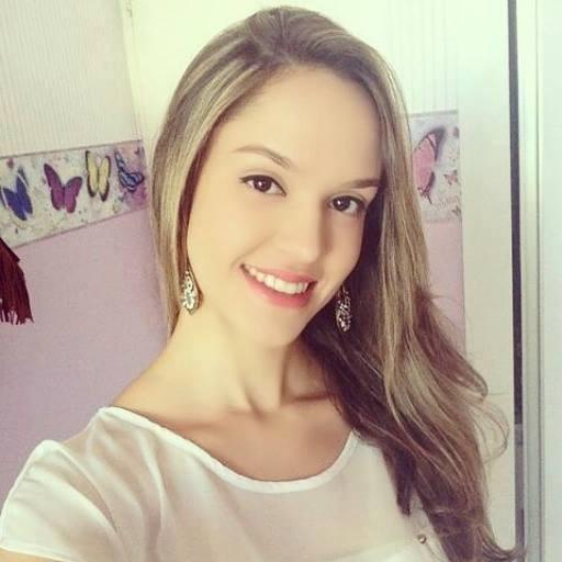 Estudante nota máxima na redação do Enem, Tereza Gayoso foi vítima de hackers no site do Sisu (Foto: Reprodução/ Facebook)