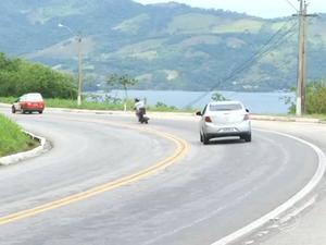 Trecho da Rio-Santos em Angra dos Reis (Foto: Reprodução/TV Rio Sul)