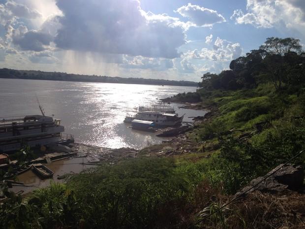Bancos de areia pelo rio, trás riscos para navegação em Rondônia (Foto: Matheus Henrique/ G1)