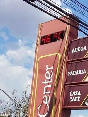 Temperatura registrada em termômetro na Av. Getúlio Vargas (Foto  Antônio  Cerqueira   Arquivo 66a46c3ff15