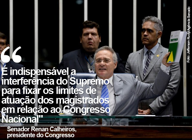 O presidente do Senado, ao anunciar ação no STF para limitar ação de magistrados (Foto: Jefferson Rudy/Agência Senado)