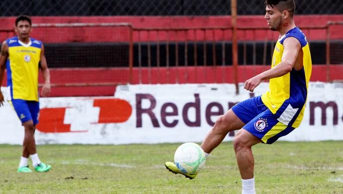 campinense treina com bismarck (Foto: Leonardo Silva / Jornal da Paraíba)