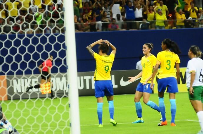 Brasil e Bolívia amistoso de futebol feminino Manaus (Foto: Mauro Neto/Sejel)