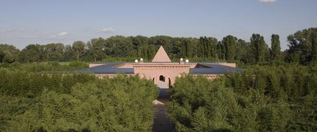 O labirinto terá um complexo cultural com museu, biblioteca, capela, café, restaurante e sala de eventos (Foto: Mauro Davoli/Divulgação)