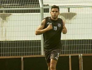 Everton Santos, atacante da Ponte Preta (Foto: Reprodução EPTV)