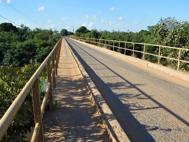 Ponte dá acesso aos municípios de Monte Negro, Buritis e Campo Novo de Rondônia  (Foto: Jeferson Guedes/G1)