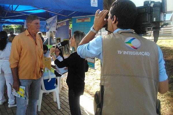 Equipe de jornalismo da TV Integração de Ituiutaba fez a cobertura do evento.  (Foto: Jayme Souza)