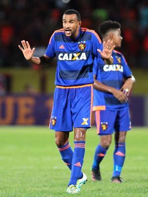 Santa Cruz x Sport Serginho (Foto: Marlon Costa / Pernambuco Press)