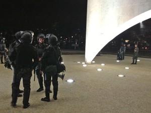 Homens da Polícia do Exército fazem segurança no Palácio do Planalto (Foto: Priscilla Mendes / G1)