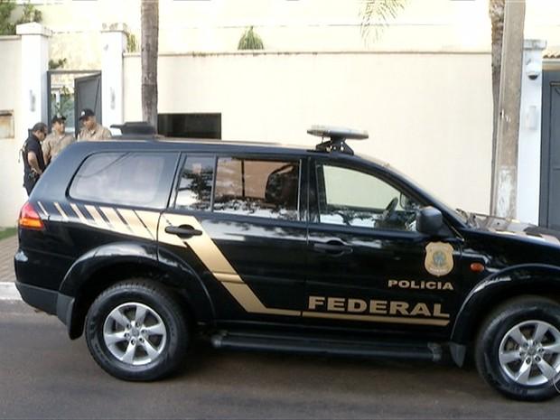 Sete são presos pela PF  (Foto: Reprodução/TV Anhanguera)