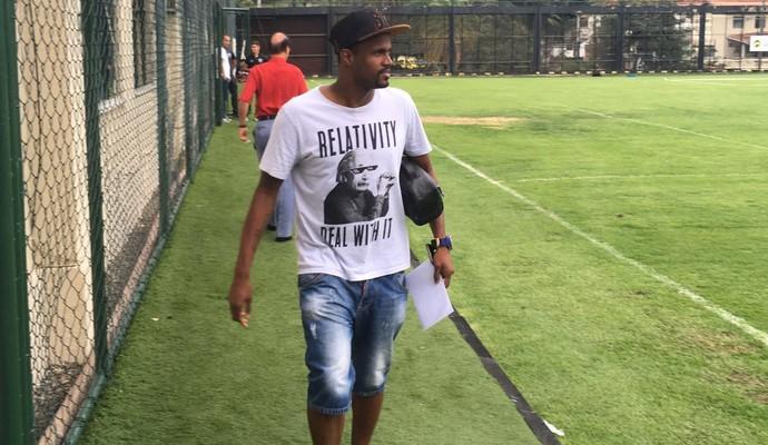 Airton treino Botafogo (Foto: Marcelo Baltar)