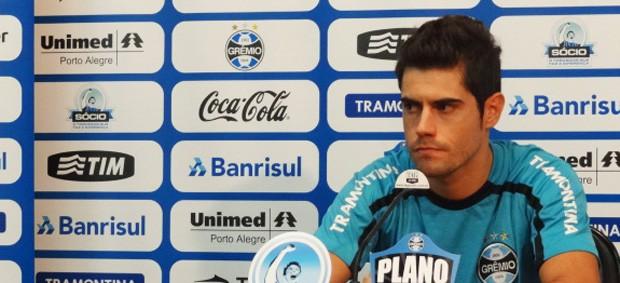 miralles grêmio (Foto: Lucas Rizzatti/Globoesporte.com)