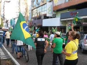 Protesto em Bagé, na Região da Campanha do RS (Foto: Roberta Mércio / RBS TV)