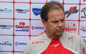 Heriberto da Cunha - técnico Vila Nova (Foto: Fernando Vasconcelos / Globoesporte.com)