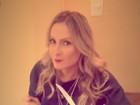 Claudia Leitte se joga na marmita e posta vídeo em rede social