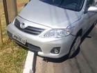 Dupla bate carro roubado em poste após ser perseguida por PMs no DF