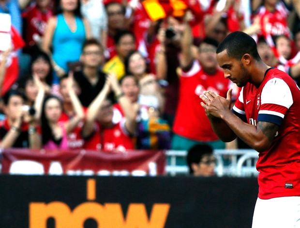 walcott arsenal gol kitchee FC (Foto: Agência Reuters)