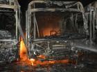 Bando incendeia três ônibus escolares em Buritis, RO