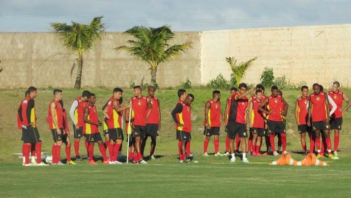 RN - Globo FC jogadores Estádio Barretão Ceará-Mirim (Foto: Rhuan Carlos/Divulgação)