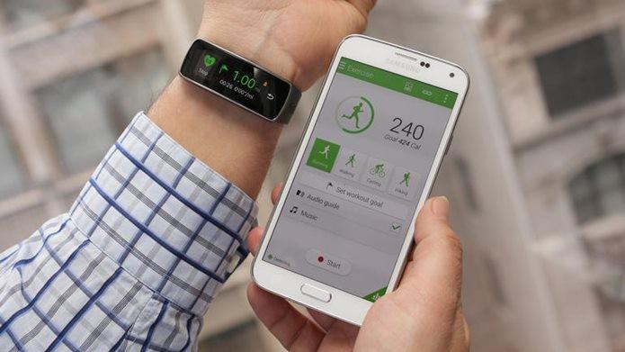 5e398c91bcd Gear Fit chama atenção por possuir muitos recursos dos smartwatchs e preço  baixo (Foto