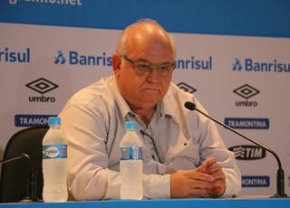 Entrevista coletiva de Romildo Bolzan, após empate com Coritiba (Foto: Eduardo Moura)