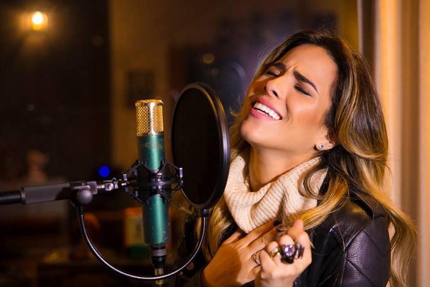 Wanessa Camargo no estdio. Vem disco de msica sertaneja por a (Foto: Divulgao)
