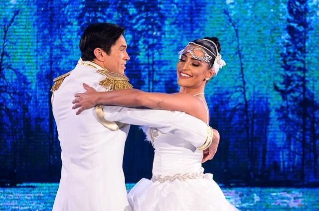 Maria Joana com o bailarino Reginaldo Sama (Foto: Ramón Vasconcelos/ TV Globo)