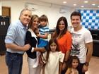 Rafaella Justus vai ao teatro com a família em São Paulo