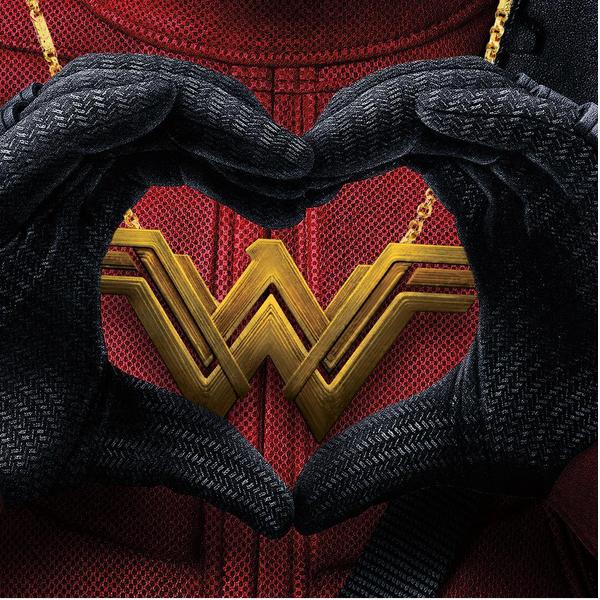 A homanegam feita por Ryan Reynolds ao sucesso do filme da Mulher-Maravilha (Foto: Instagram)