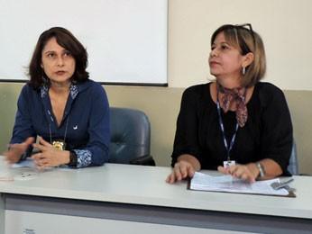 Joyse Breenzinckr, gestora do IML Recife, e , Ana Celia Faria, secretária-executiva de Assistência Social (Foto: Débora Soares / G1)