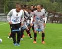 Seleção, título e raça: Alessandro quer ser espelho para jovens no Atlético-PR