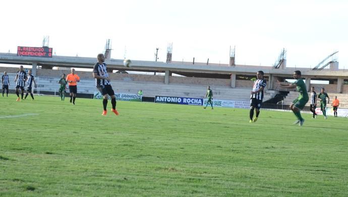 Equipes se enfrentaram no Colosso do Tapajós (Foto: Dominique Cavaleiro/GloboEsporte.com)