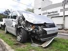 Carro de paróquia é roubado e outros 3 são destruídos em Vitória
