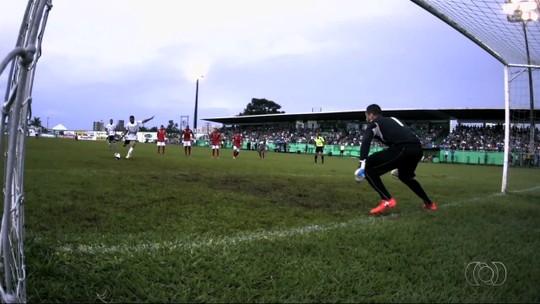 Vila Nova domina, mas tem zagueiro expulso, e Rio Verde empata: 3 a 3
