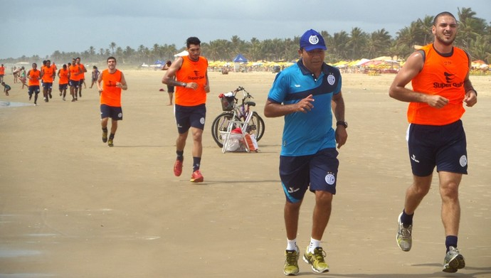 confiança, treino físico, treino, praia, aracaju (Foto: Bruno Albuquerque / ADC)