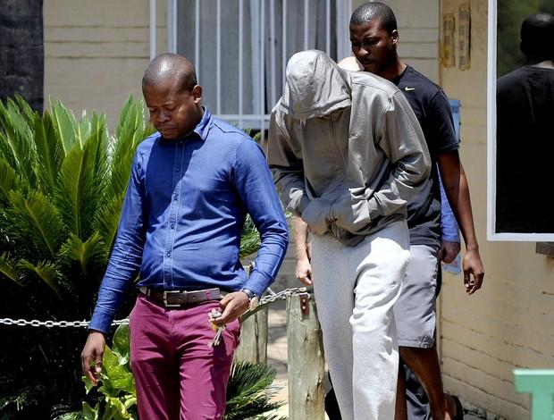 Oscar Pistorius preso em Pretoria (Foto: Agência AFP)