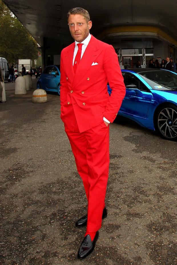 Lapo Elkann: costume vermelho-tomate, uma escolha para quem tem personalidade (Foto: Getty Images)